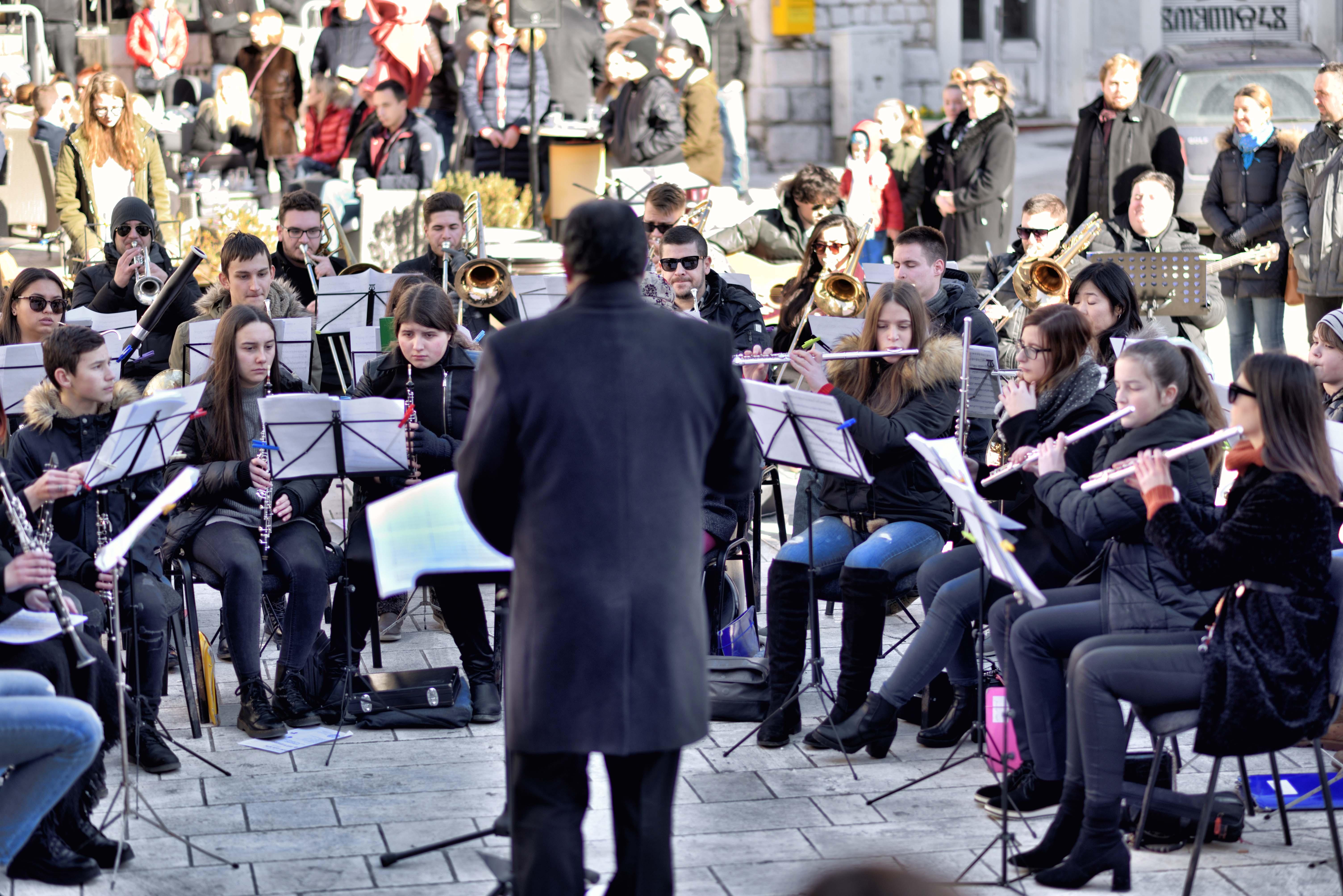 VIDEO: Maestralna Gradska glazba Imotski pod ravnanjem Ivana Glibote oduševila Split!