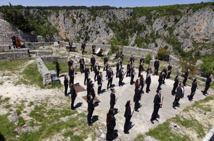 Čestitka iz Imotskog za Dan Europe: Gradska glazba snimila spot za Odu radosti na najljepšim lokacijama u svom kraju